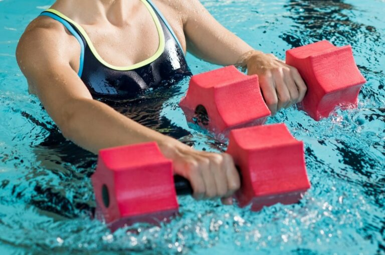 10 Swimming Pool Exercises You Need to Try