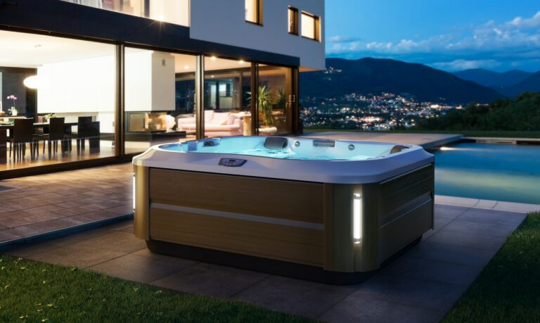 The Complete Guide to Pool and Spa Maintenance